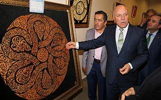 Sanatçı Fatih Topatan'ın sergisi büyüledi