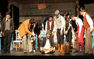 Şehir tiyatrosundan muhteşem bir oyun