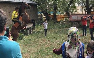 """TDED Erzurum'dan """"Türkün Kanadı At"""" programı"""