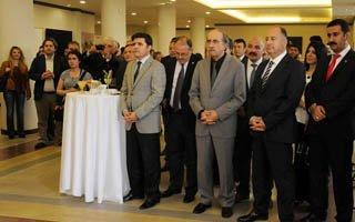 Ödüllü resimler Erzurum'da sergileniyor