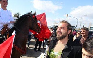 Diriliş Ertuğrul Ekibi Erzurum'da Coşkuyla Karşılandı