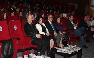 Kar Film Festivali Sessiz Sedasız Sürüyor