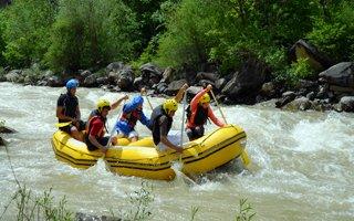 Tortum çayında Rafting heyecanı