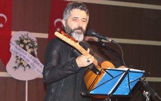 Ülkü Ocakları Ali Kınık konseri düzenledi
