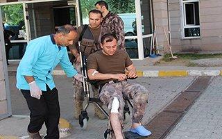 Ayağına dikiş attırıp yeniden operasyona gitti
