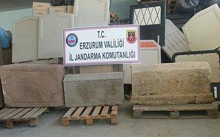 Horasan'da tarihi mezar taşı operasyonu