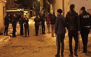 Erzurum'da akrabalar birbirine girdi