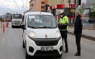 Erzurum'da sokağa çıkan 23 kişiye ceza yazıldı