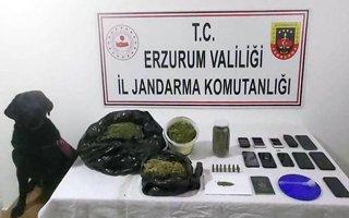 Silah ve uyuşturucu tacirlerine operasyon