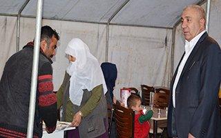 Başkan Kılıç, orucunu iftar çadırında açtı...
