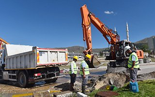 Büyükşehir Erzurum'un altyapısını yeniliyor