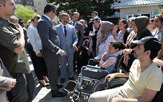 Engellilerin tekerlekli sandalye sevinci