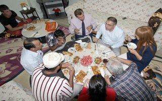 Fatih Cengiz vatandaşla iftar açtı