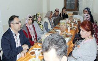Başkan Cengiz bakımevinde iftar açtı