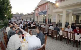 Başkan Cengiz personeline iftar verdi