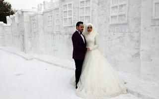 Kar Sokağı düğün fotoğrafçılarının ilgi odağı oldu