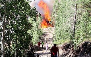 Oltu'daki yangın günlerdir söndürülemiyor