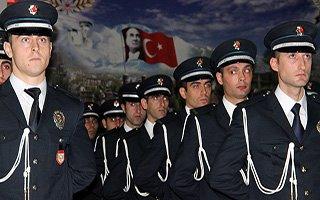 Erzurum'da polislerin mezuniyet coşkusu