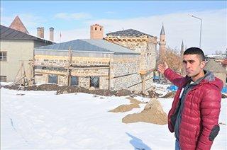 Tarihi evler orijinal taşları ile restore ediliyor
