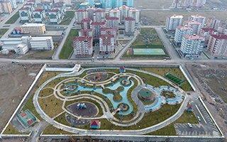 Büyükşehir'den Hilalkent'e göz kamaştıran park