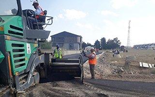 Aziziye'de asfalt kaplama çalışmaları sürüyor