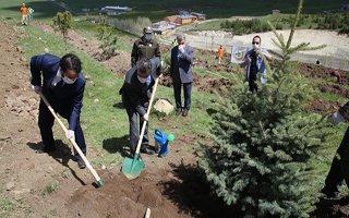 Erzurum'da sağlık çalışanları hatıra ormanı