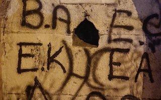 Tahrip edilmiş tarihi çeşme yürek burkuyor