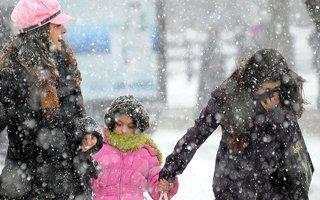 Erzurumlular güne karla uyandı