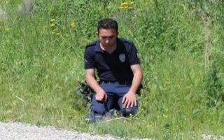PKK'nın kapattığı yolu açıp namaza durdular