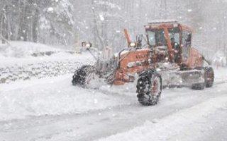 Doğu'da kar ve fırtına esareti