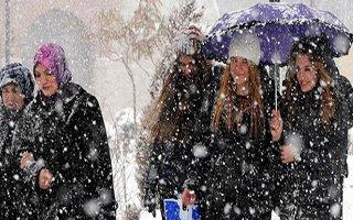 Sıcaklık düşüyor Erzurum'a kar geliyor