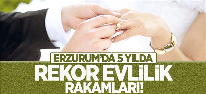5 yılda 28 bin 901 çift evlendi
