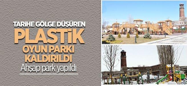 Plastik çocuk parkı ahşapla değiştirildi