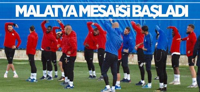 B.B Erzurumspor'un Malatya Mesaisi Başladı