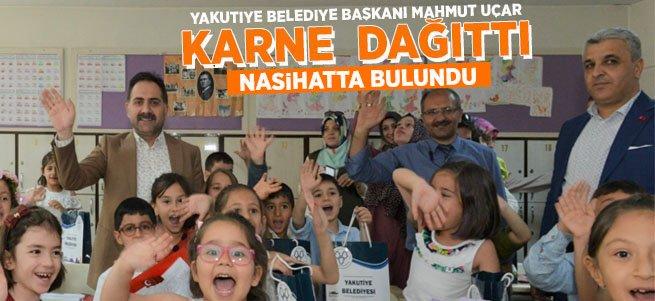 Başkan Uçar, öğrencilere karne dağıttı...