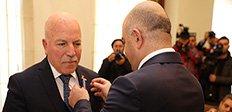 Aliyev'den Sekmen'e Onur Madalyası