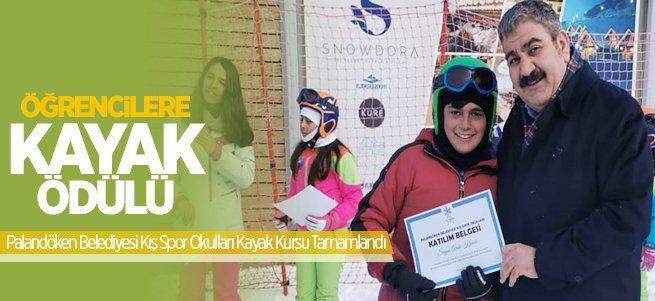 Başkan Sunar'dan öğrencilere kayak ödülü