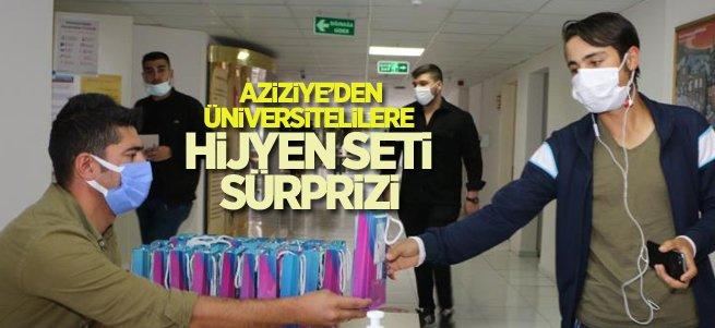 Aziziye'den üniversitelilere hijyen seti sürprizi